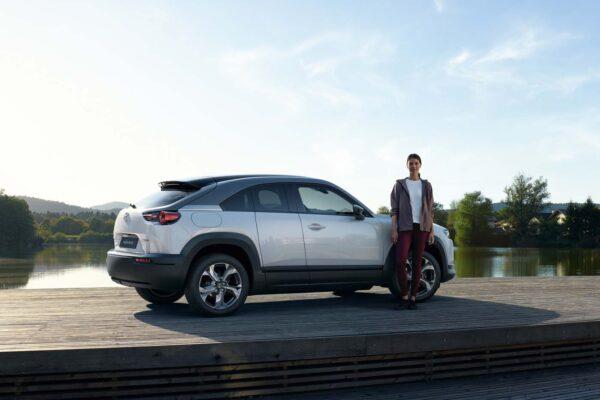 Mazda mx30 töltés, elektromos autó töltőkábel, leírás, szabadidő ,fehér