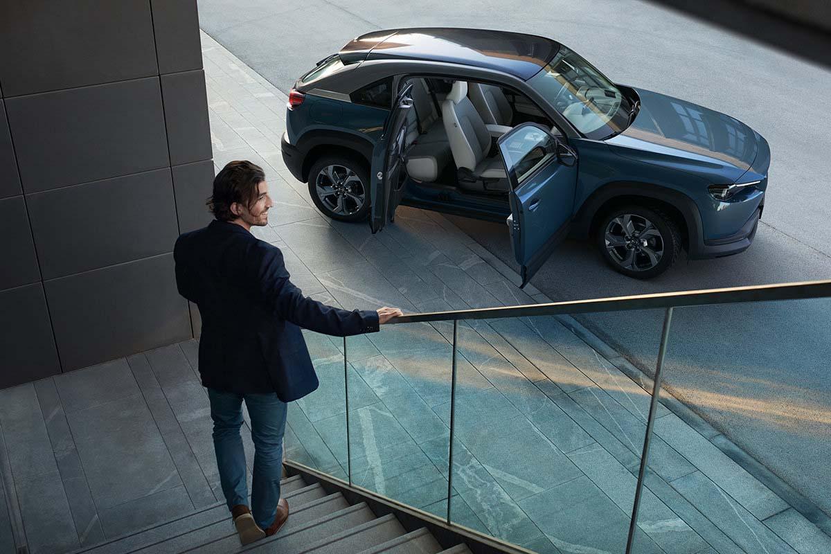 Mazda mx30 töltés, elektromos autó töltőkábel, leírás, külső