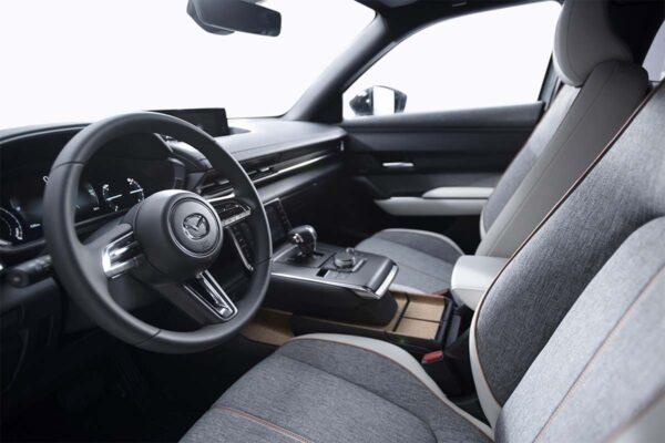 Mazda mx30 töltés, elektromos autó töltőkábel, leírás, belső