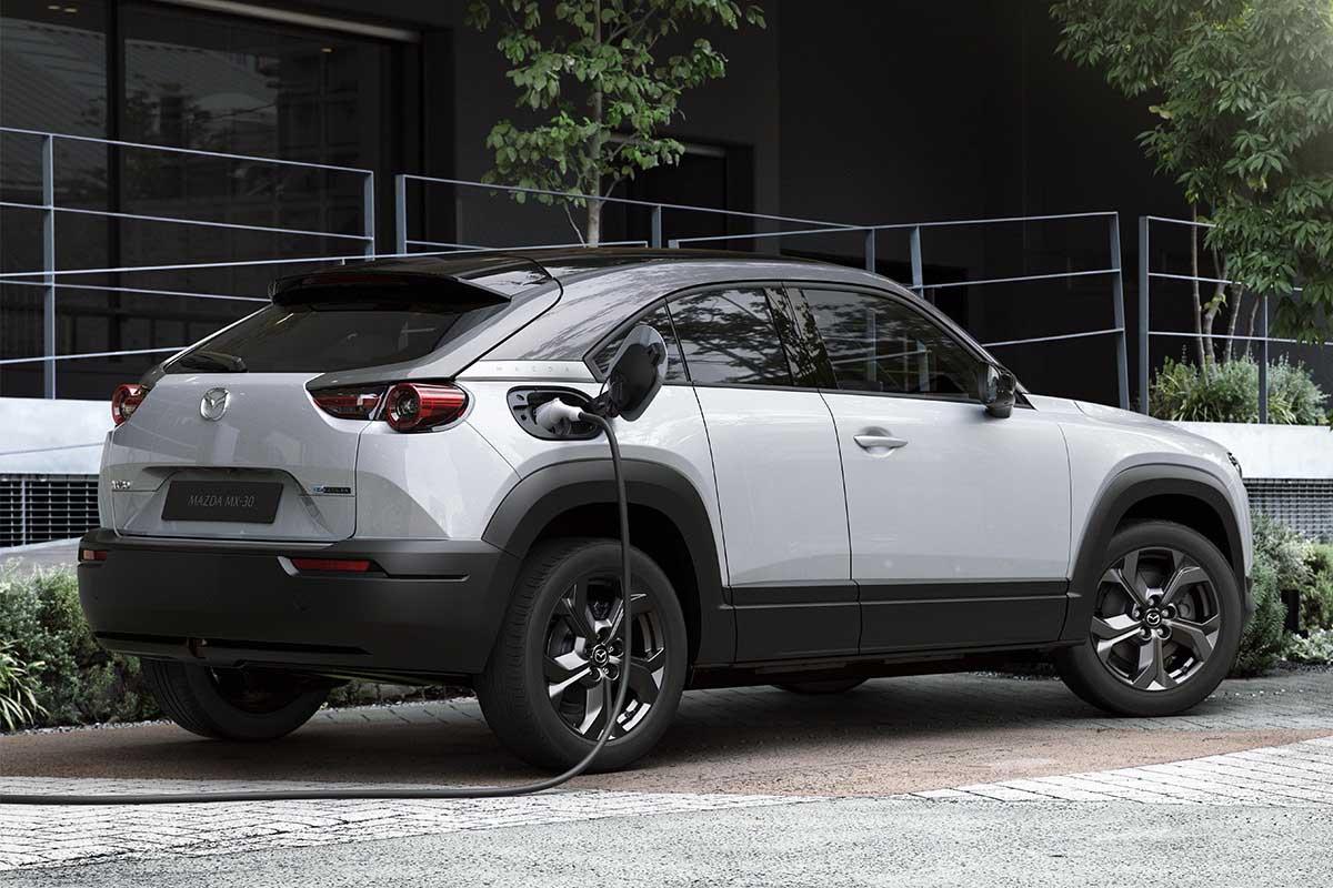 Mazda mx30 utcai töltés, elektromos autó töltő kábel, leírás